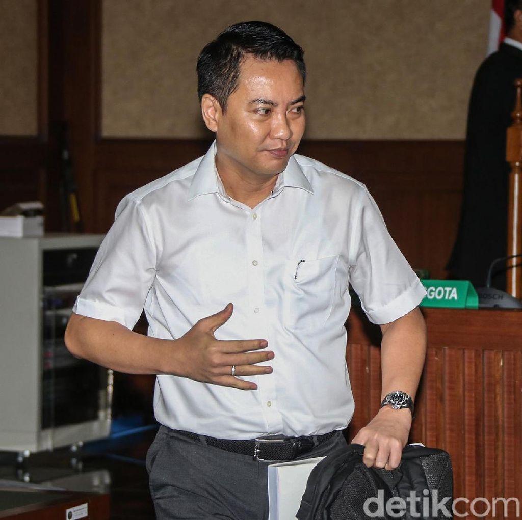 Fayakhun Divonis 8 Tahun Penjara