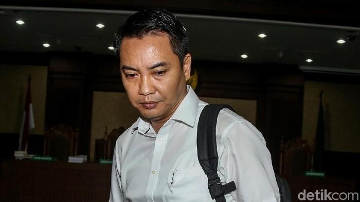 Eks anggota DPR Fayakhun Andriadi dituntut 10 tahun penjara soal proyek pengadaan satelit monitoring dan drone.