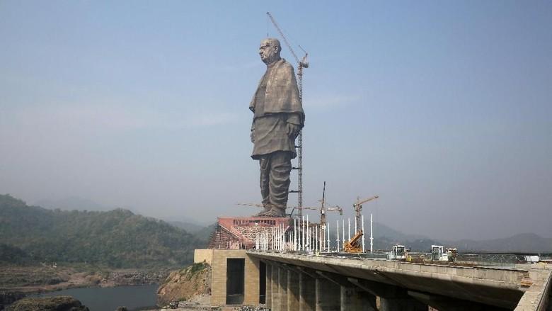 Foto: Ini Patung Tertinggi di Dunia yang Bikin Marah Petani India