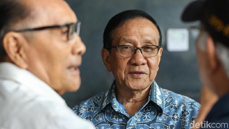 Akbar Tandjung Nilai Pujian Jokowi ke Airlangga Jadi Restu untuk Golkar-1
