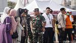 Keluarga Korban Pesawat Lion Air JT 610 Kunjungi Posko Tanjung Priok