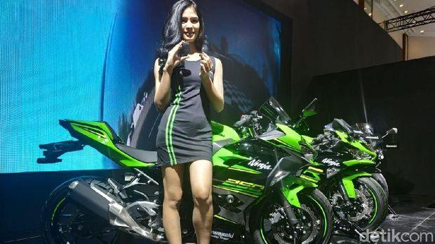 IMOS 2018: Kawasaki Luncurkan Moge ZX-6R dan Ninja 250