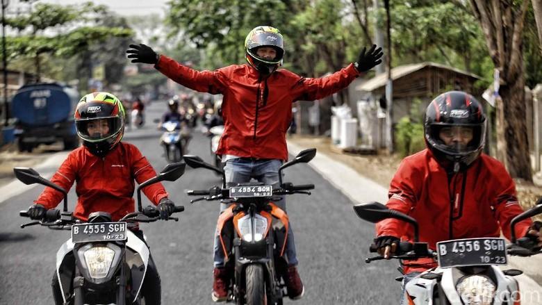 Perjalanan KTM Road Warriors menuju Surabaya (Foto: Pradita Utama)