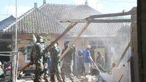 TNI: 100% Rumah Rusak Akibat Gempa di NTB Sudah Dibersihkan
