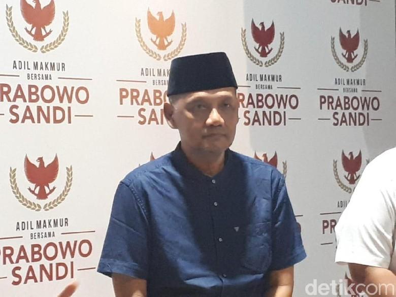 Gus Irfan Bela Sandi: Bendera Saja Protes, NU Jadi Mesin Kampanye Kok Tak Protes?