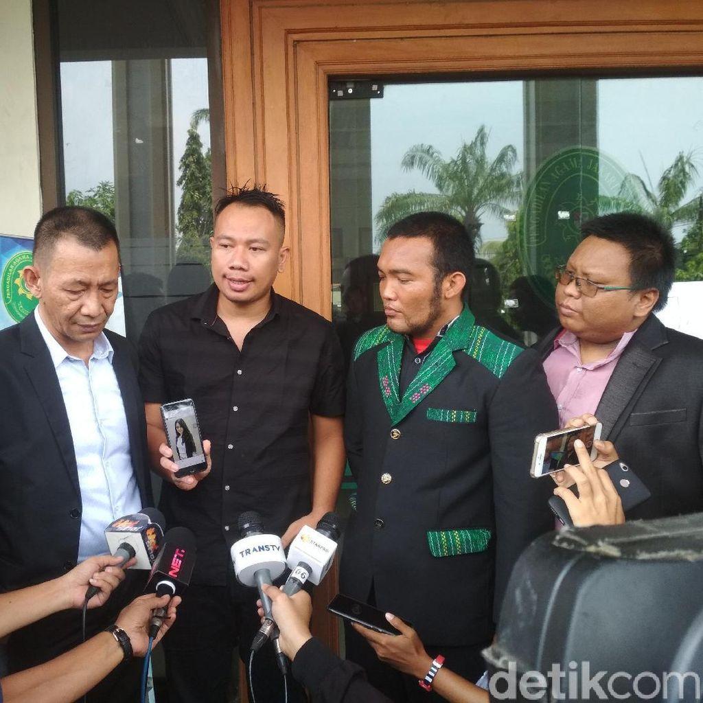 Vicky Prasetyo Resmi Laporkan Angel Lelga atas Dugaan Perzinaan
