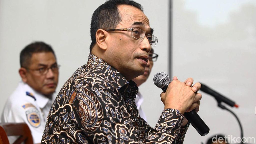 Buntut Lion Air Jatuh, Jokowi Minta Aturan Penerbangan Murah Dikaji Ulang