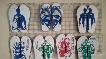 Mengantongi Jutaan Rupiah dari Bisnis Sandal Jepit Ukir