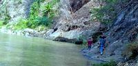 Kakek Pencari Ikan Tewas Terseret Arus Sungai di Sukabumi