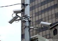 Kamera CCTV untuk tilang pelanggar lalu lintas.