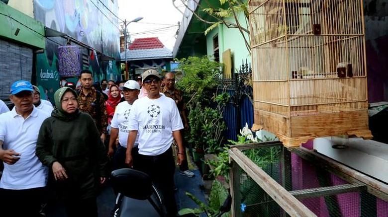 Antisipasi Demam Berdarah, Risma Sidak ke Rumah-rumah Warga
