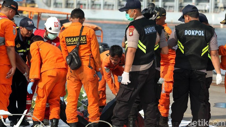 Bertambah, 2 Kantong Jenazah Tiba di Posko Lion Air