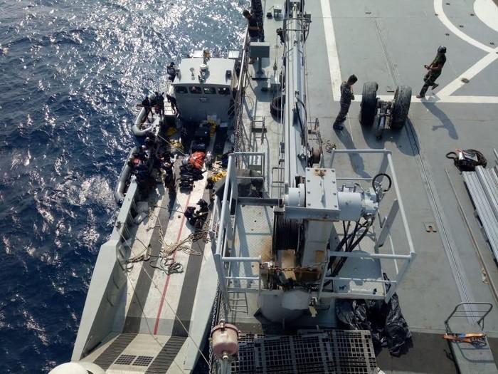 Roda pesawat Lion Air PK-LQP sudah diangkat dari dasar laut perairan Karawang. (Foto: Dok. Istimewa)