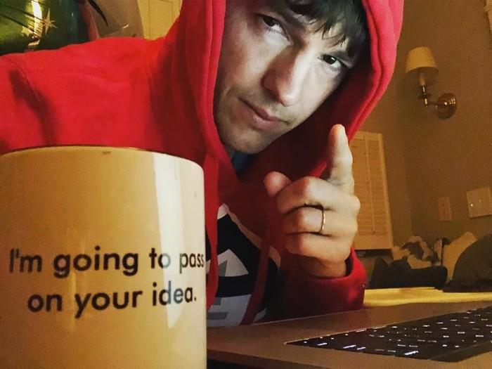 Aktor pemilik nama lengkap Christopher Ashton Kutcher ini lahir pada 7 Februari 1978. Kini ia sudah memasuki usia 40 tahun. Sejak muda, Kutcher telah membintangi banyak film. Foto: Instagram aplusk
