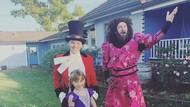 Gaya Keluarga Rayakan Halloween, dari Pink hingga Adam Levine
