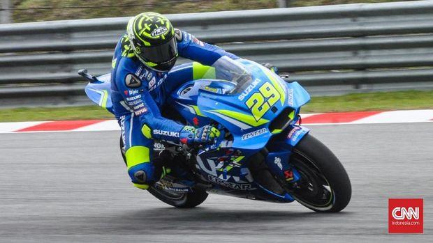 Andrea Iannone menjalani latihan bebas kedua MotoGP Malaysia 2018 di Sirkuit Sepang, Jumat (2/11).