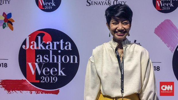 Proram Director Jakarta Fashion Week Zornia Harisantoso.