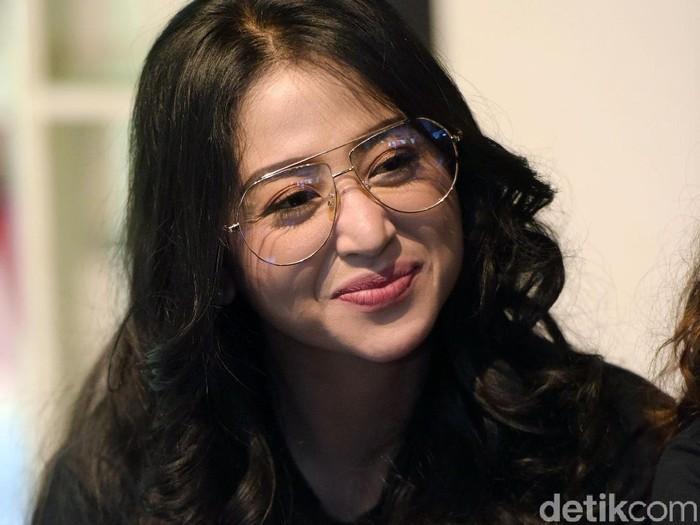 Dewi Perssik saat ditemui di kawasan Cikini.