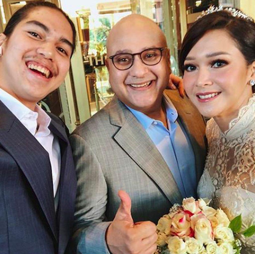 Kunjungi Masjid di Tokyo, Mahfud MD Telat Hadiri Pernikahan Maia-Irwan