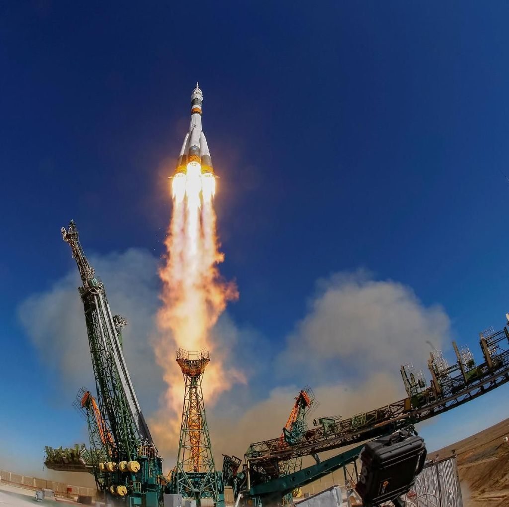 Badan Antariksa Rusia Bahas Gagal Terbangnya Soyuz MS-10