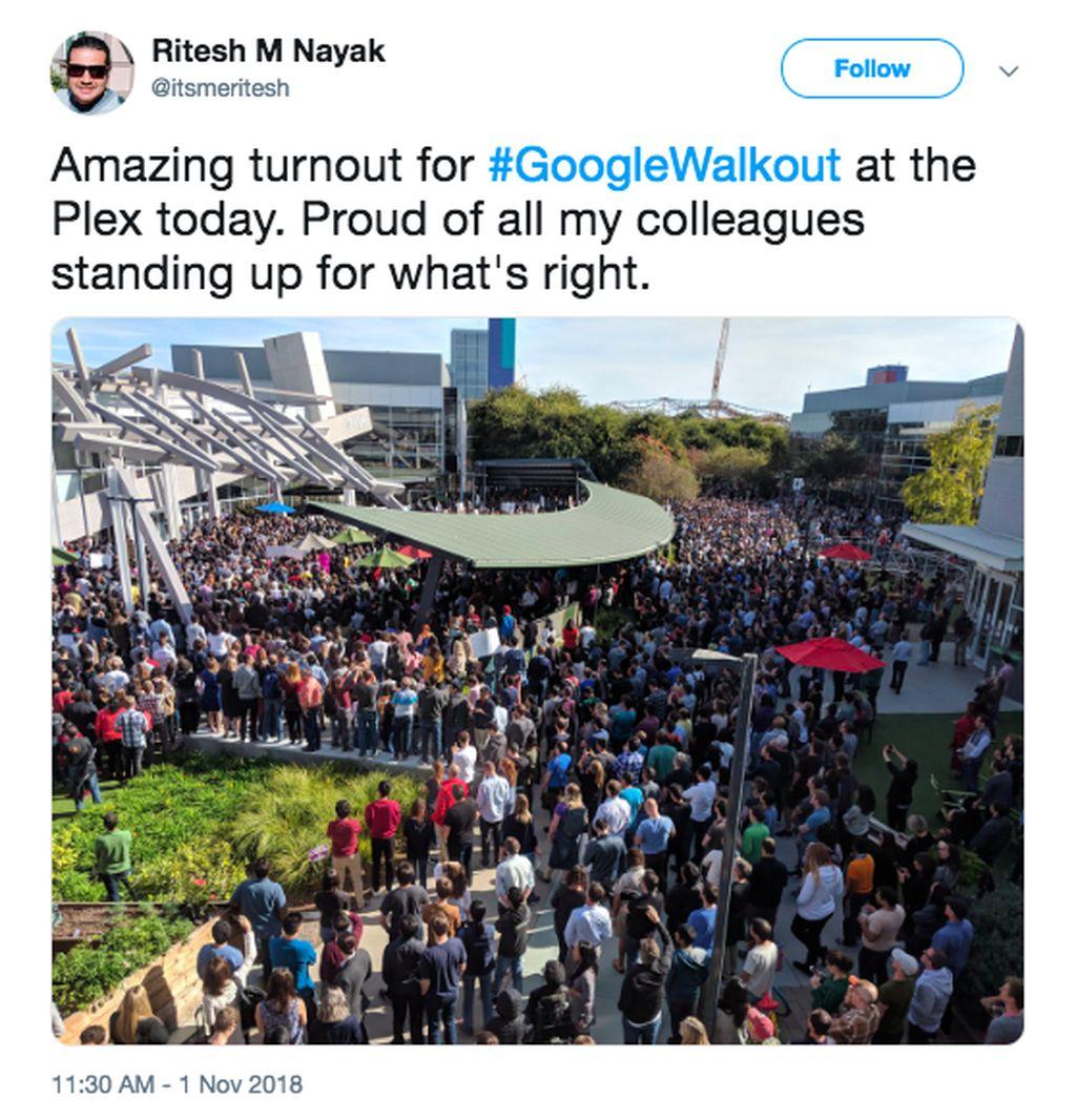 Salah seorang karyawan Google membagikan foto suasana ramai mogok kerja di kantor pusat Google di Mountain View, California. Foto: Twitter