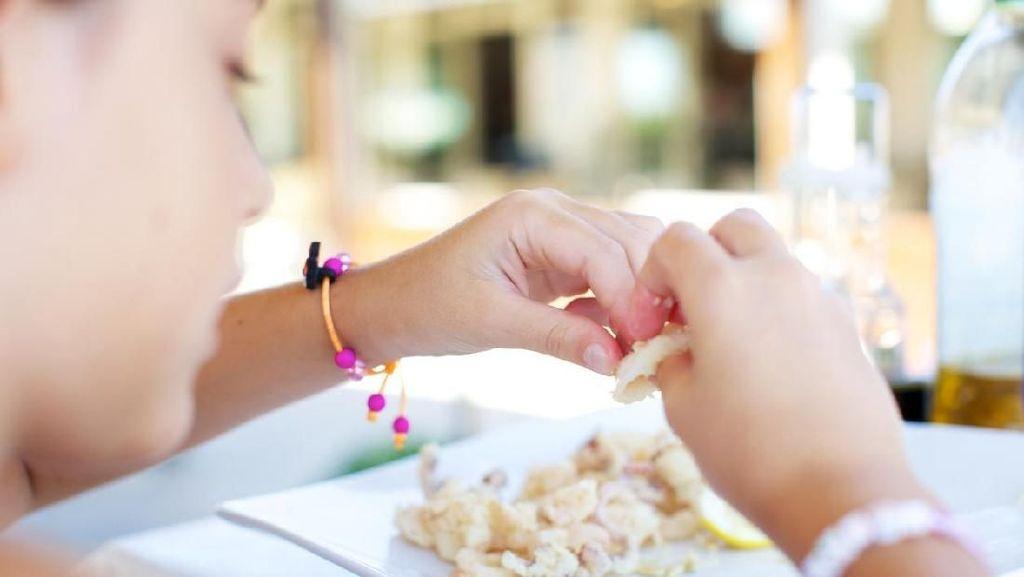5 Tips Mengatasi Anak Susah Makan