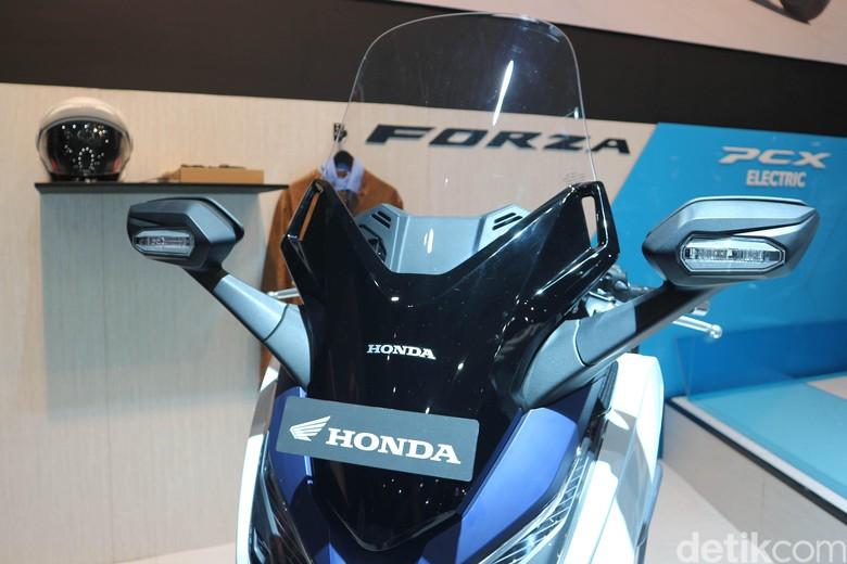 Honda Forza. Foto: Agung Pambudhy