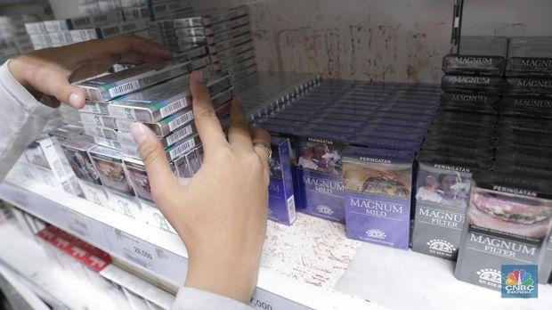 Cukai Rokok Batal Naik Supaya Tak Ada PHK