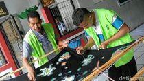 Intip Keseruan Narapidana di Lapas Bondowoso Diajari Membatik