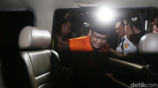 Taufik Kurniawan ditahan KPK/