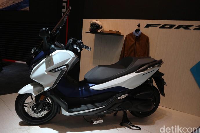 Honda Forza, Pesaing XMAX yang Dijual Rp 76,5 Juta