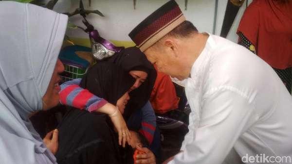 Kesedihan sang Istri Jelang Pemakaman George Mustafa Taka