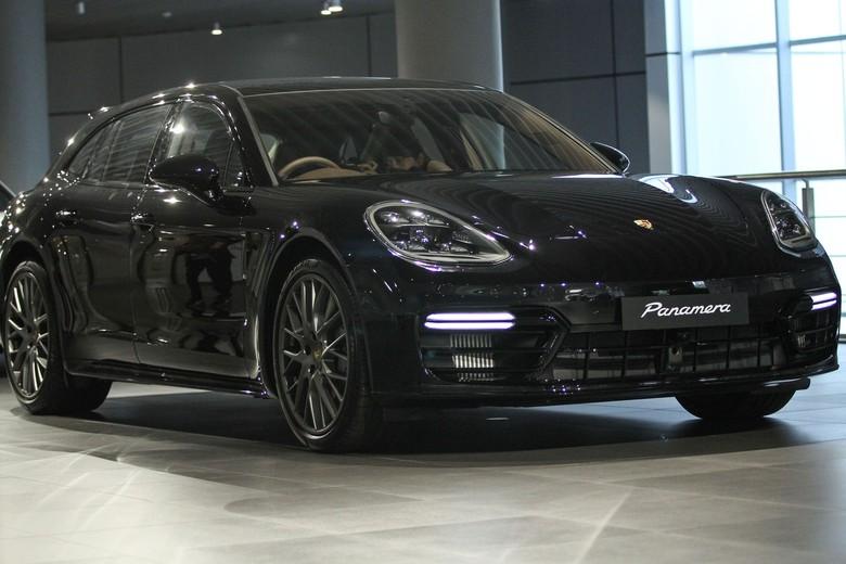 Porsche Panamera Sport Turismo. Foto: Rifikianto Nugroho