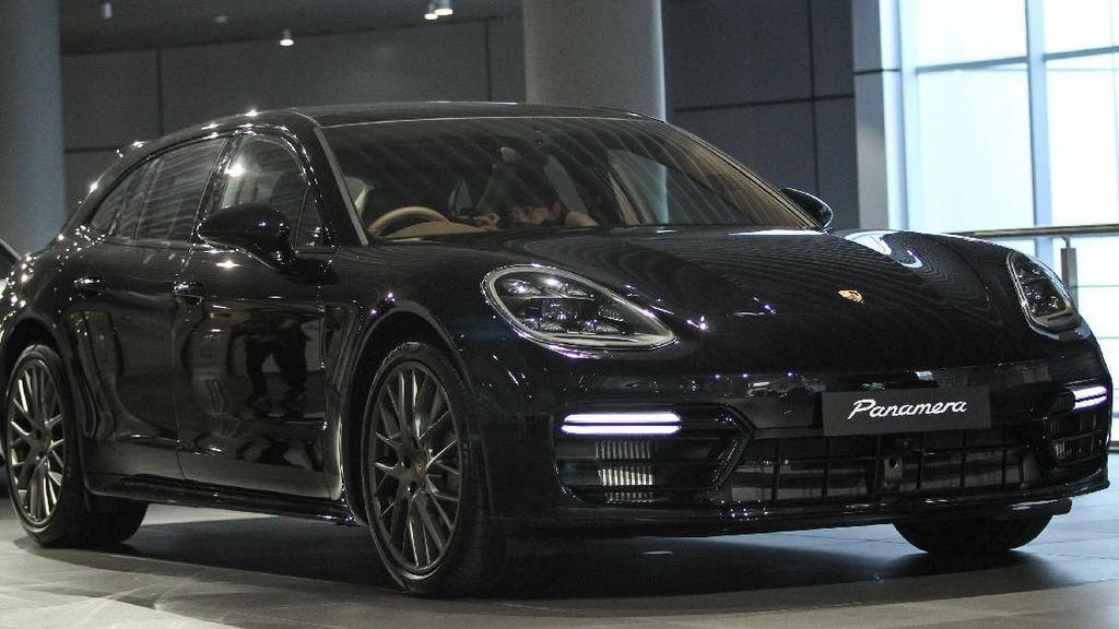 Porsche Banderol Panamera Sport Tourismo Seharga Rp 3,5 Miliar