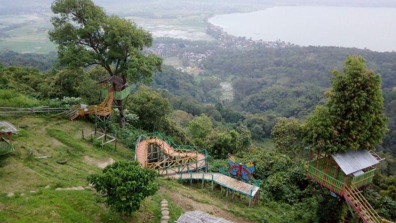 Jika ingin melihat Danau Singkarak dari ketinggian, kamu bisa berkunjung ke Puncak Gobah. (dok Uda Uni Duta Wisata Kab Solok)