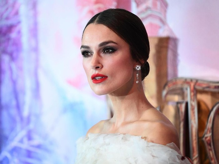 LONDON, ENGLAND - NOVEMBER 01: Keira Knightley attends the European Premiere of Disneys The Nutcracker at Vue Westfield on November 01, 2018 in London, England. (Photo by Tristan Fewings/Getty Images)