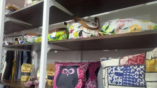 Produk UMKM Bandung mejeng di Makassar