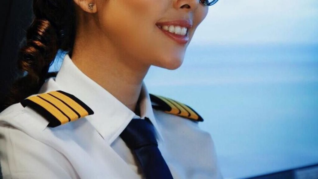 Serunya Momen Kulineran Pilot Cantik Patricia Yora