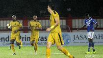 Simon McMenemy Keluhkan Jadwal Piala Indonesia yang Tak Jelas