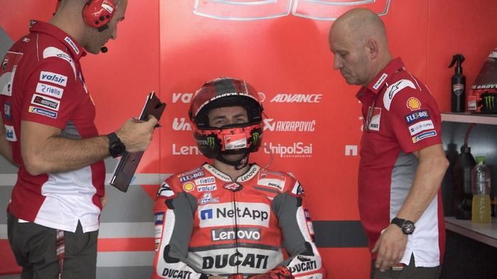 Jorge Lorenzo berpisah lebih awal dengan Ducati. Foto: Mirco Lazzari gp/Getty Images