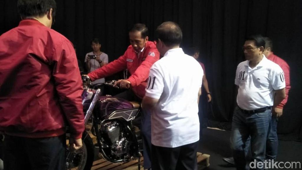 Layaknya Anak Motor Jokowi Sambangi IMOS 2018