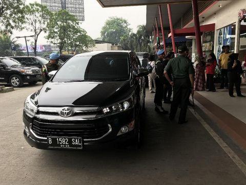 Blusukan di Banten, Jokowi Tak Tunggangi Mobil Kepresidenan