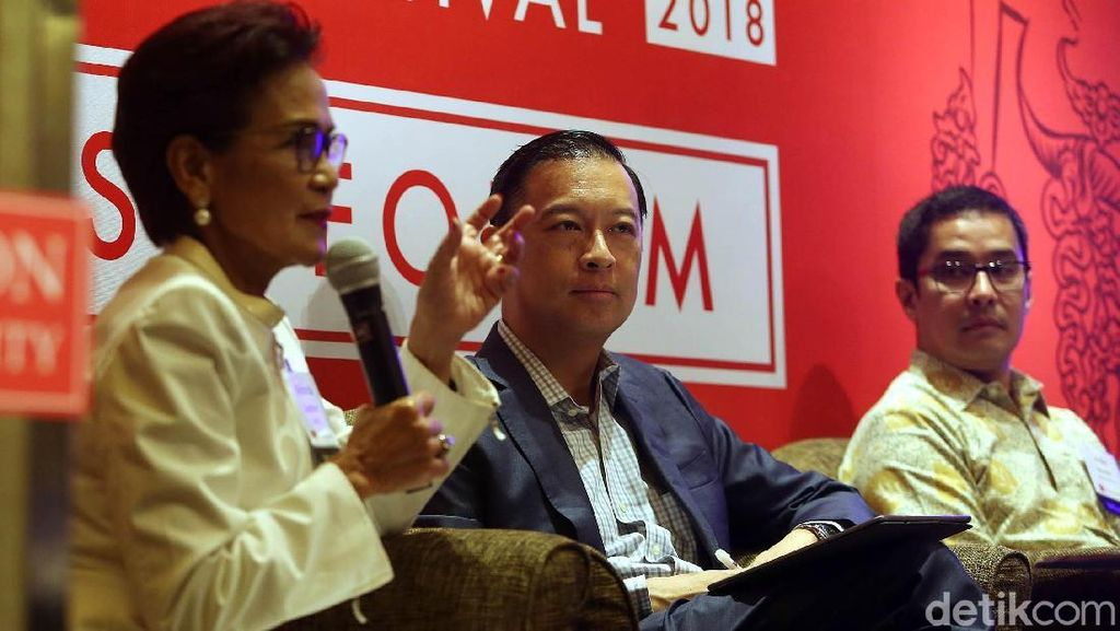 Thomas Lembong Hadiri Boston University Asian Alumni Festival