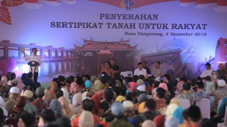 Jokowi Bagikan 6.000 Sertifikat Tanah di Tangerang