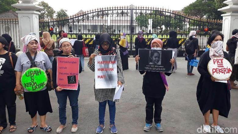Protes Eksekusi TKI Tuti, Massa Aksi Bisu di Gedung Agung Yogya