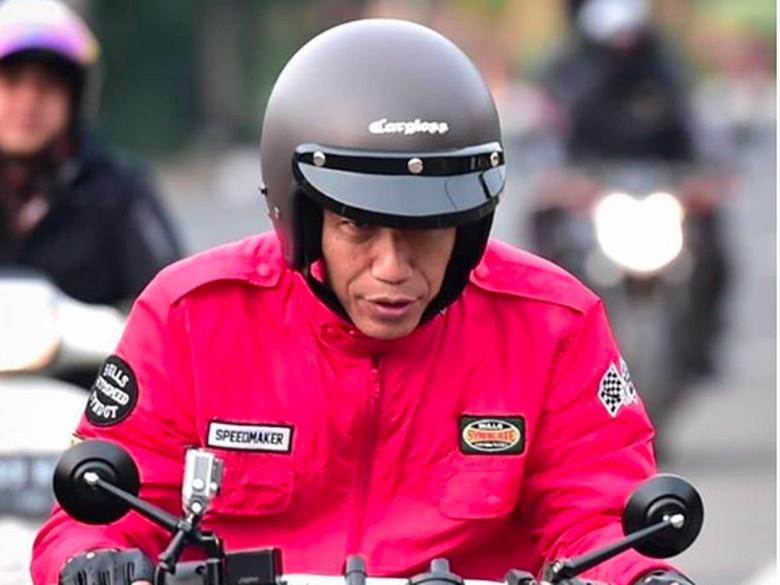 Helm Cargloss dipakai Jokowi Foto: Screenshot Instagram Joko Widodo