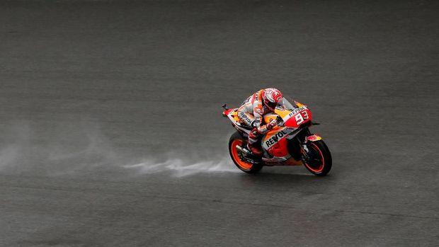 Marc Marquez menjalani MotoGP Malaysia dengan gangguan cedera bahu.