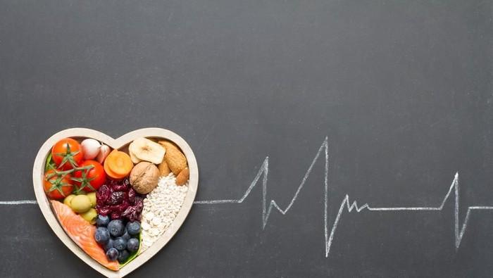 Seimbangkan hidangan lebaran dengan perbanyak konsumsi buah dan sayur agar lebih sehat. (Foto: Shutterstock)