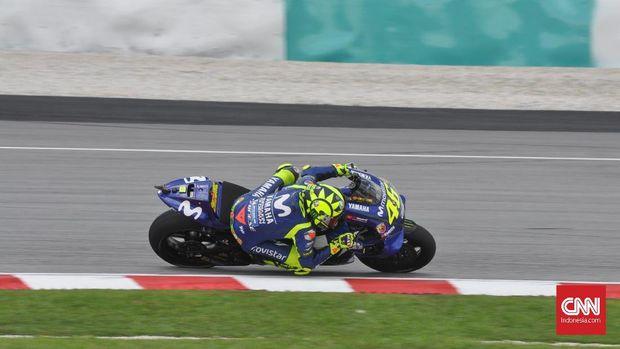 Valentino Rossi membuang peluang untuk menang setelah terjatuh di tikungan pertama MotoGP Malaysia.