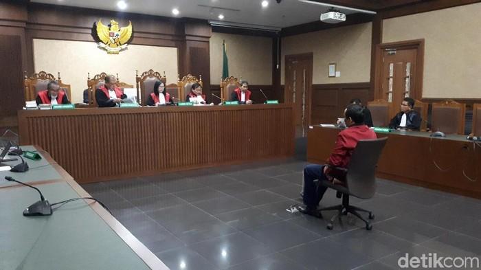Sidang vonis Wakil Ketua DPRD Lampung Tengah nonaktif J Natalis Sinaga/Foto: Faiq Hidayat-detikcom